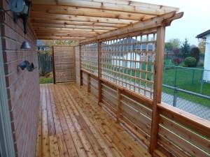 Cedar Deck with Trellis